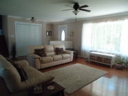 Spacious 6 Year Old, 3 Level House on Large Lot - Photo 6 of 10