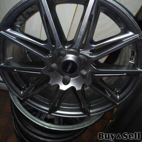 Alloy wheels and studded tires - Chev/GMC