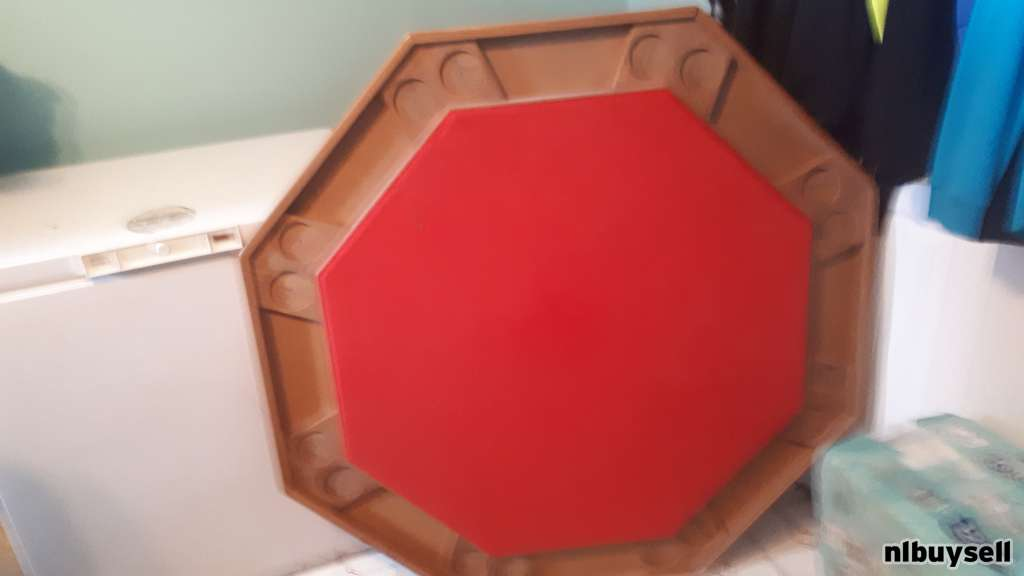 Card table for sale in great condition