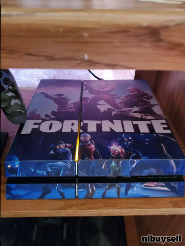 SELLING A PS4 FORTNITE SYSTEM & ACCESSORIES