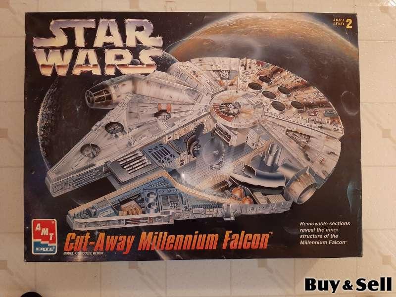 Star Wars Millenium Falcon Cut-Away Model