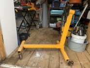 1000 Pound Engine Stand in Excellent Condition