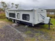 2008 23' HiILO Trailer, hydraulic lift solid top for ...