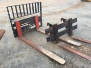 "70"" Forks with Hydraulic Fork Positioner"