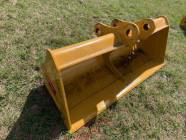 "Unused 68"" CAT 312 / 311 Clean Up Excavator Bucket"