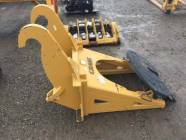 Unused CAT Loader Fusion Quick Coupler Fifth Wheel Plate Extension